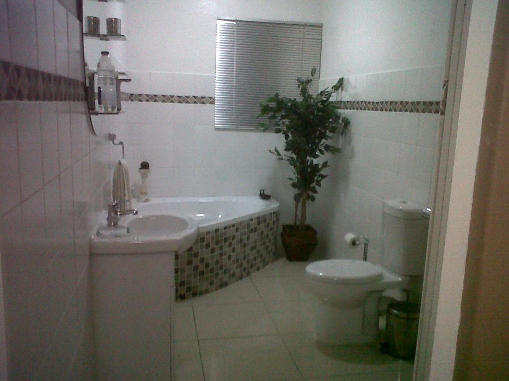 picture bathroom cabinets kzn