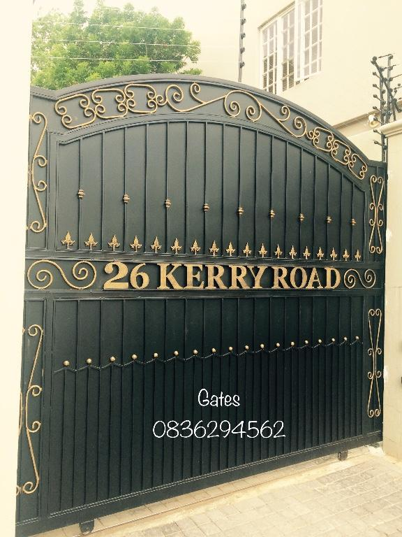 Wood And Steel Driveway Gates Installed 0117662656